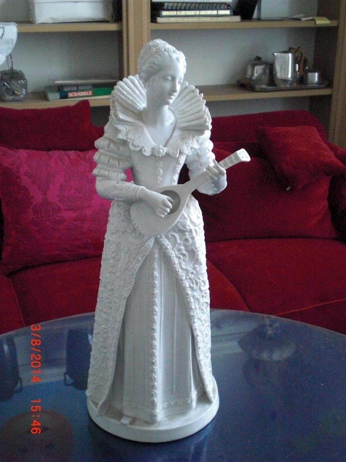 Figurine of a Lady